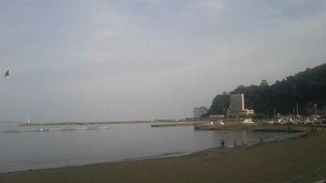 熱海の海で海水浴しました